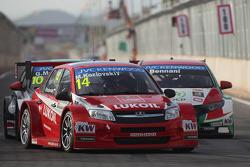 Mikhail Kozlovskiy, LADA Granta 1.6T, LADA Sport Lukoil et Mehdi Bennani, Honda Civic WTCC, Proteam Racing