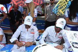Yvan Muller, 雪铁龙C-Elysee WTCC赛车,雪铁龙-道达尔WTCC车队,和José Maria Lopez, 雪铁龙C-Elysee WTCC赛车,雪铁龙-道达尔WTCC车