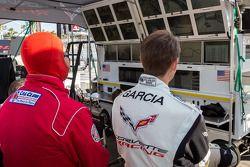 Antonio Garcia regarde les derniers instants de la course