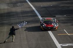 #98 ART Grand Prix McLaren MP4-12C: Gregoire Demoustier, Alexandre Prémat, Alvaro Parente : Vainqueurs