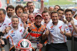 Vainqueur: Marc Marquez heureux