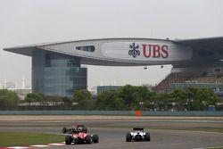 Max Chilton, Marussia F1 Team; Felipe Massa, Williams F1 Team