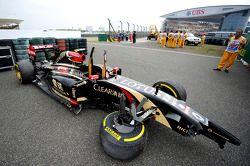 Unfallauto von Pastor Maldonado, Lotus F1 E22