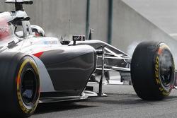 Adrian Sutil, Sauber C33 brakes smoking at the pit lane exit