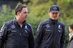 Ron Meadows, Mercedes AMG F1, Teammanager; Nico Rosberg, Mercedes AMG F1