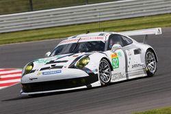 #92 Porsche Manthey Takımı Porsche 911 RSR: Marco Holzer, Frederic Makowiecki, Richard Lietz