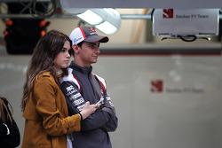 Esteban Gutierrez, Sauber F1 Team, mit Freundin Paula Ruiz