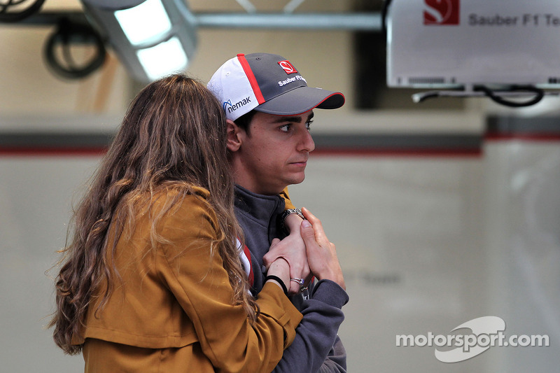 Esteban Gutierrez, Sauber F1 Team and his girlfriend Paula Ruiz (MEX)