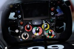 索伯C33赛车方向盘:阿德里安·苏蒂尔, 索伯车队