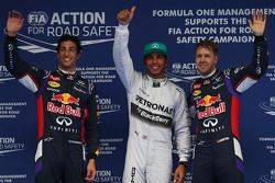pole para Lewis Hamilton, Mercedes AMG F1, segundo para Daniel Ricciardo, Red Bull Racing RB10 e ter