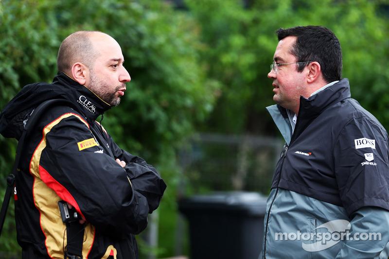 (Esquerda para direita): Gerard Lopez, chefe de equipe da Lotus F1, com Eric Boullier, diretor de corridas da McLaren,
