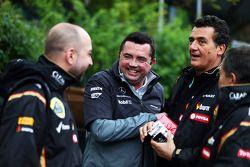 Gerard Lopez, Lotus F1, Teamchef; Eric Boullier, McLaren, Rennleiter; Federico Gastaldi, Lotus F1, S