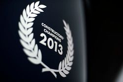 Logo bei Red Bull Racing: Konstrukteursweltmeister 2013