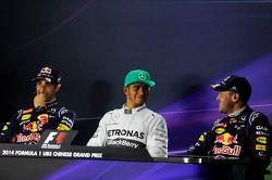 Conferência de imprensa da FIA, Red Bull Racing, segundo; Lewis Hamilton, Mercedes AMG F1, pole position; Sebastian Vettel, Red Bull Racing, terceiro