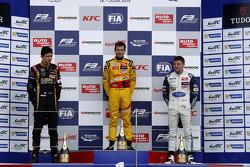 Podium: 1er Tom Blomqvist, 2ème Esteban Ocon, 3ème Jordan King