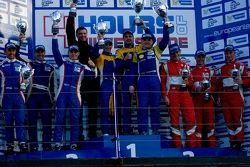 GTC podium: winnaars Andriy Kruglyk, Sergii Chukanov, Alessandro Pier Guidi, tweede plaats Olivier B