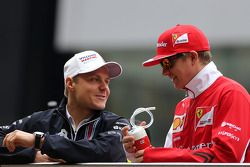 Valtteri Bottas, Williams F1 Team e Kimi Raikkonen, Scuderia Ferrari