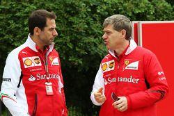 Jonathan Giacobazzi, Ferrari Sponsorship Manager, met Antonello Coletta, Ferrari Corse Clienti.