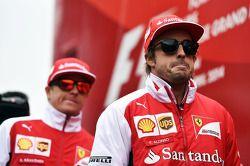 Fernando Alonso, Ferrari y Kimi Raikkonen, Ferrari en el desfile de pilotos