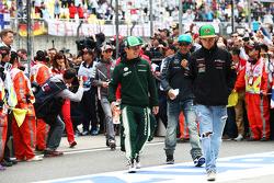 Kamui Kobayashi, Caterham; Lewis Hamilton, Mercedes AMG F1; Sergio Perez, Sahara Force India F