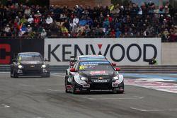 Gianni Morbidelli, Chevrolet RML Cruze TC1, ALL-INKL_COM Munnich Motorsport devant Tiago Monteiro, H