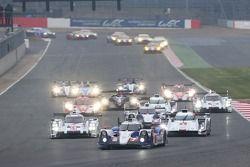 Largada: #7 Toyota Racing Toyota TS040 Hybrid: Alexander Wurz, Stéphane Sarrazin, Kazuki Nakajima li