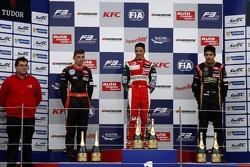 Podium: 1er Antonio Fuoco, 2ème Max Verstappen, 3ème Esteban Ocon
