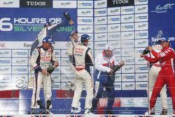 Podio geral: Vencedores da corrida: Anthony Davidson, Nicolas Lapierre, Sebastien Buemi, segundo lug