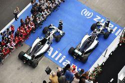 1. Lewis Hamilton, Mercedes AMG F1 W05; 2. Nico Rosberg, Mercedes AMG F1 W05