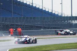 Problema para #1 Audi Sport Team Joest Audi R18 e-tron quattro: Lucas di Grassi, Loic Duval, Tom Kri