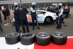 Aston Martin Racing pronta pra correr