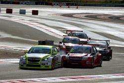 Hugo Valente, Chevrolet RML Cruze TC1, Campos Racing et Robert Huff, LADA Granta 1.6T, LADA Sport Lukoil