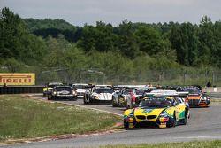 起步: #0 巴西宝马运动奖杯车队,宝马 Z4: Sergio Jimenez, Caca Bueno,领先