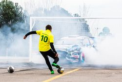 Ken Block e Neymar Jr. no Footkhana
