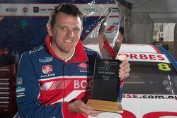 Jason Bright met de Jason Richards Memorial Trophy