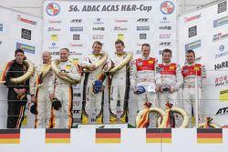 I vincitori della gara Nicky Catsburg e Dirk Adorf, secondo posto per Kevin Estre, Rudi Adams e Arno