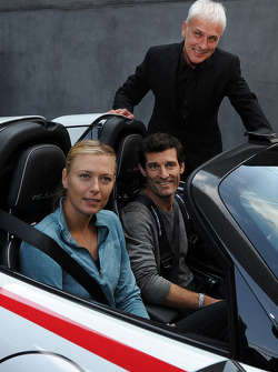 Tennis star Maria Sharapova with Mark Webber and Mattias Muller, chairman of Porsche