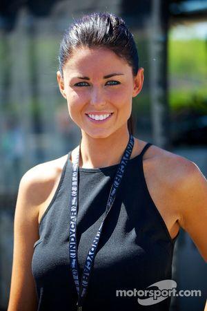 Kristen Dee, novia de James Hinchcliffe, del equipo Andretti Autosport Honda