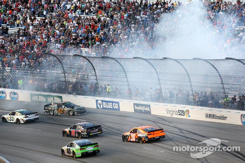 Problemi per Kyle Larson, Ganassi Racing Chevrolet
