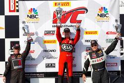 GTS领奖台:第一名马克·威尔金斯,第二名小杰克·劳什,第三名杰克·鲍德温