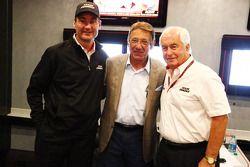 Tim Cindric,和Roger Penske,和美国足球传奇人物Joe Namath