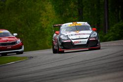 #73 GTSport Racing 保时捷 卡宴 S: 杰克·巴尔迪温