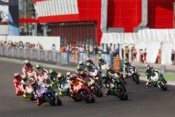 Largada: Jorge Lorenzo, Yamaha Factory Racing lidera