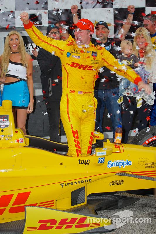Vencedor da corrida Ryan Hunter-Reay, Andretti Autosport Honda
