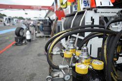 VAN AMERSFOORT RACING, pit lane, strumenti di lavoro 2014/02/05. FIA F3 European Championship 2014,