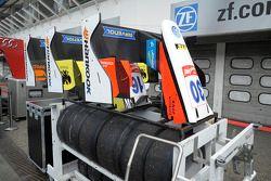VAN AMERSFOORT RACING, pit lane, 2014/05/02 frontale. FIA F3 European Championship 2014, Round 2, di