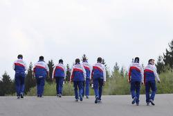 L'équipe Toyota sur le circuit