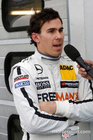 Robert Wickens su Mercedes AMG C-Coupé del team HWA DTM