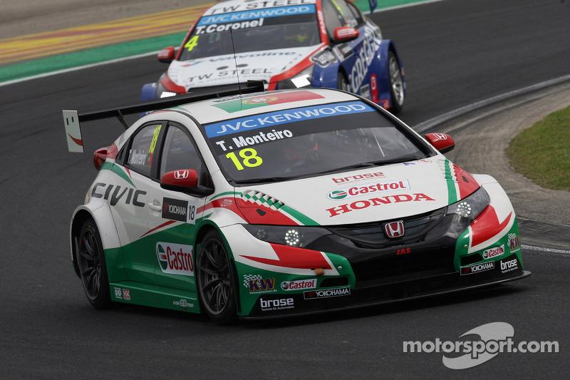 Tiago Monteiro, Honda Civic WTCC, Castrol Honda WTCC Team e Tom Coronel, Cevrolet RML Cruze TC1, Roal Motorsport