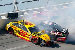 Crash for Joey Logano, Team Penske Ford, Kurt Busch, Stewart-Haas Racing Chevrolet